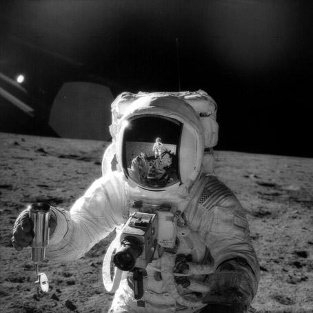 Как NASA показало Америке Луну